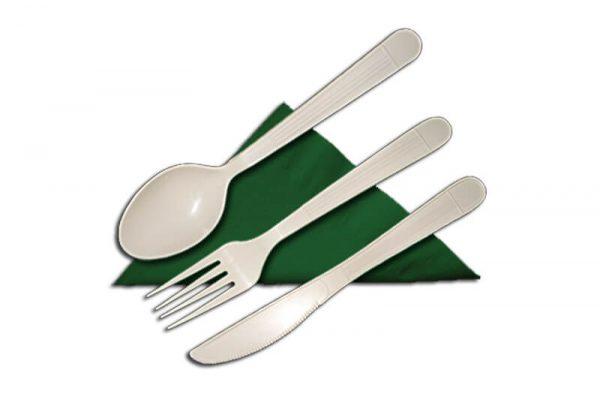 Pribor za jelo od plastike